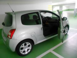 Renault Twingo Paris 20e Arrondissement