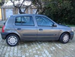 Renault Clio Paris 18e Arrondissement